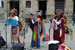 Performance outside the San Francisco Church (La Paz)